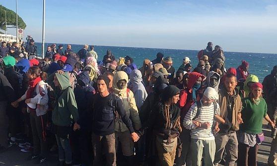 cordone compagni-migranti